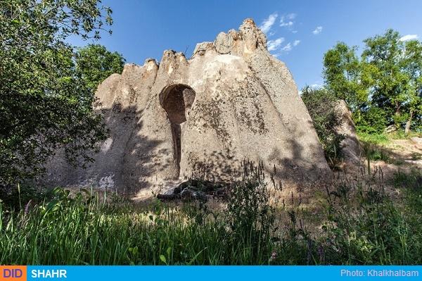 غارهای سنگی قزلو